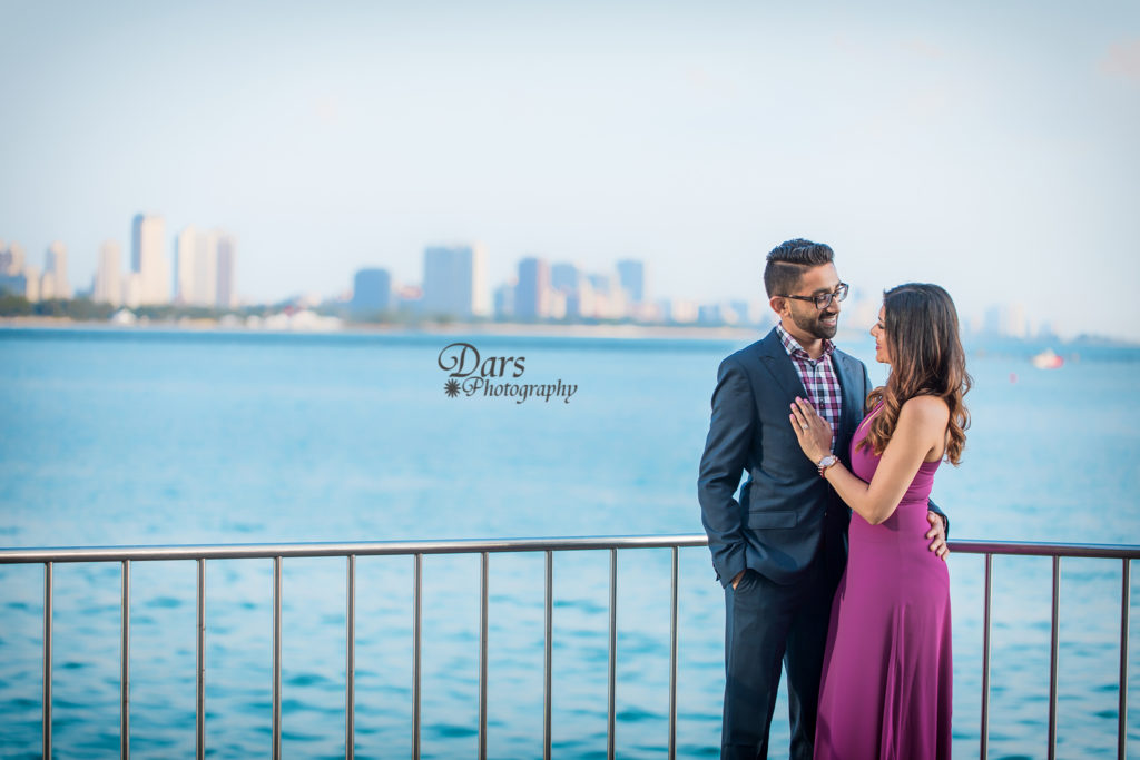 CHICAGO DOWNTOWN PRE-WEDDING PHOTO SESSION