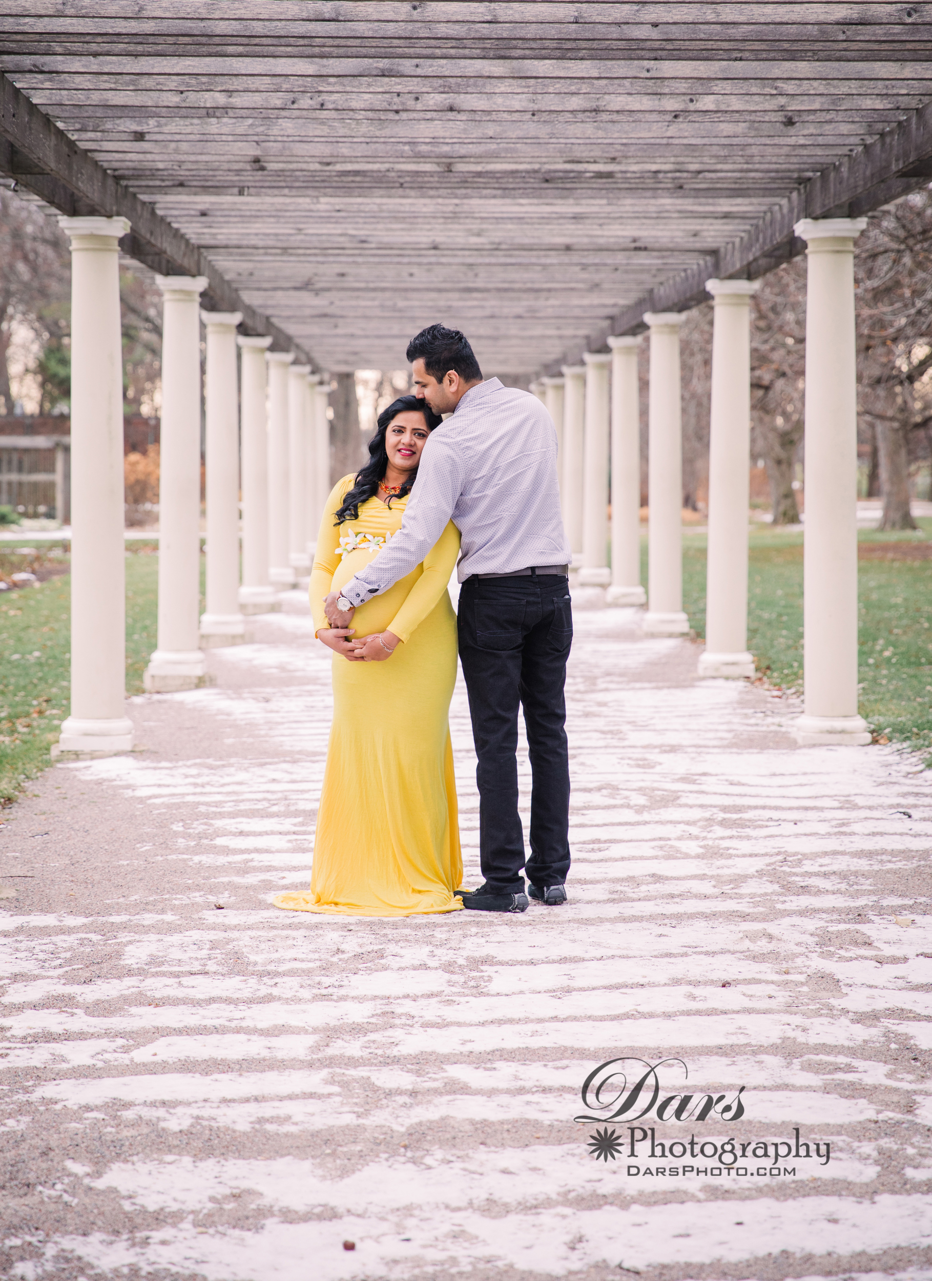 SIDDHI'S MATERNITY PHOTO SESSION